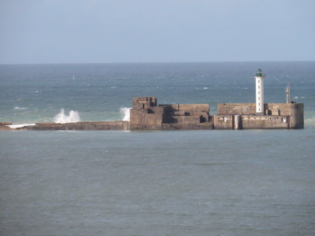 Sea wall at Boulogne sur Mer