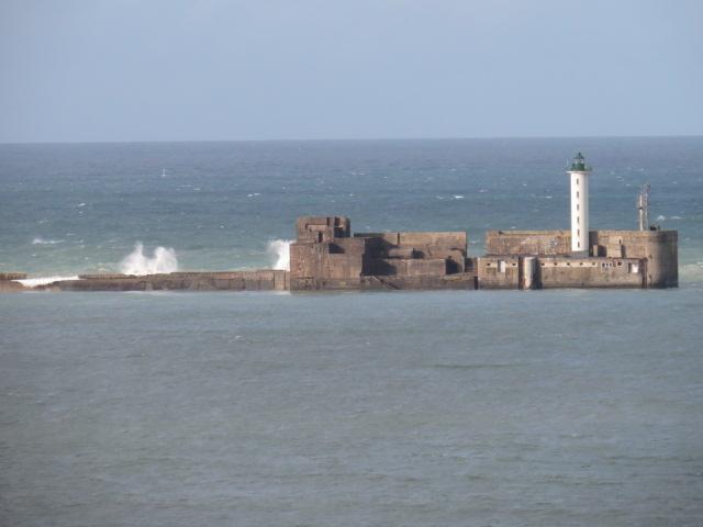 Sea wall at Boulogne sur Mer