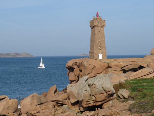 Plutonac'h Lighthouse
