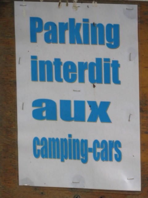 Parking Forbidden for Camping Cars