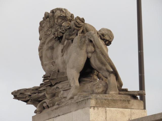 Paris Sculptures adorn the City!!