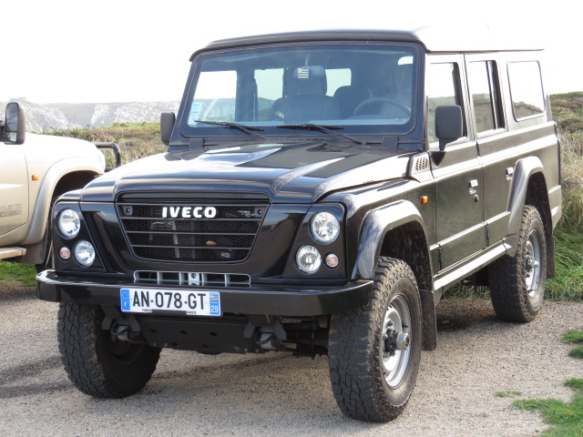 Iveco's copy of a Land Rover with leaf springs!