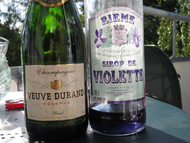 interesting reaction when violet syrup is mixed with champagne - no more purple!
