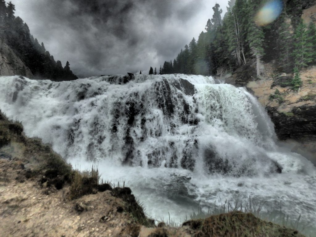 The hike down to Wapta Falls