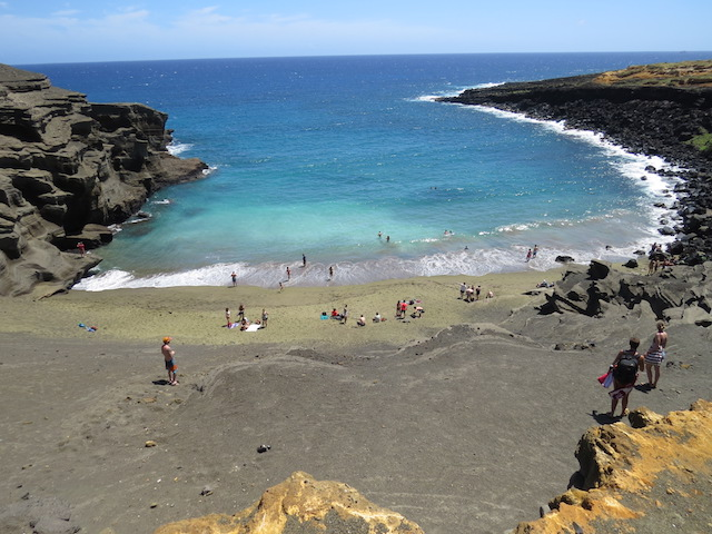 Green Sand Beach caused by the presence of Olivine